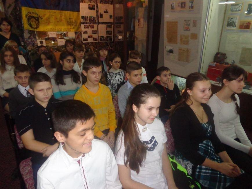 «Поэт всегда в строю»: Красноармейский исторический музей почтил память талантливого поэта-фронтовика Степана Таманова (фото) - фото 4