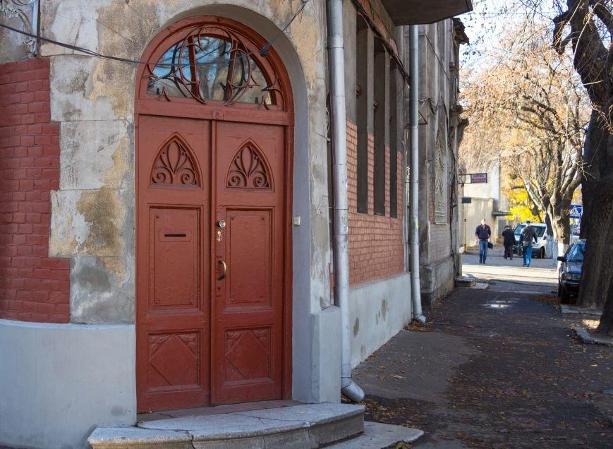 a73dda5ee37a7c88e7782894cd23dfd1 Колоритная Одесса: двор на Пироговской