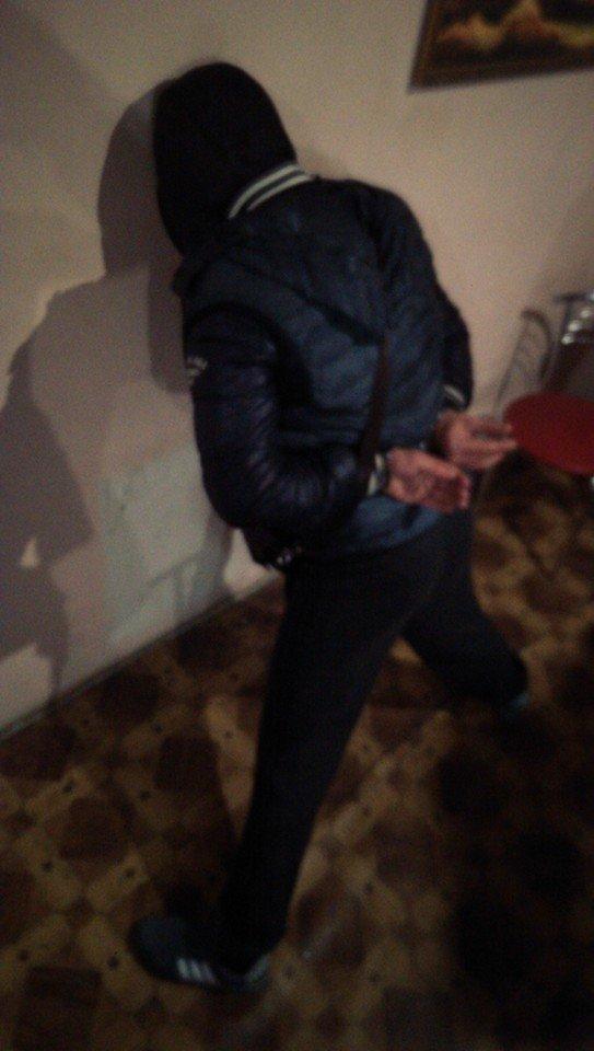 69fda3415a0c6dcc80b80a1aad1faaec Доставка временно не работает: в Одессе задержан «экспедитор» титушек и оружия в Киев
