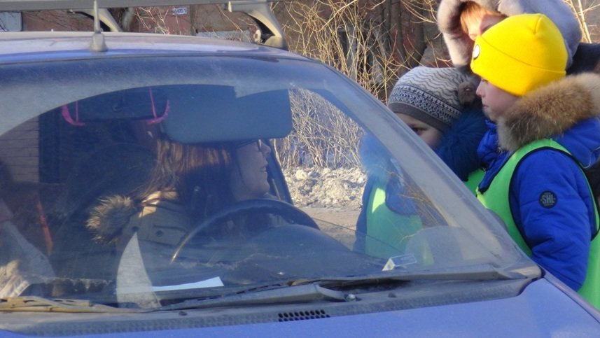 Водители Полевского получили в подарок самодельных ангелов (фото) (фото) - фото 1