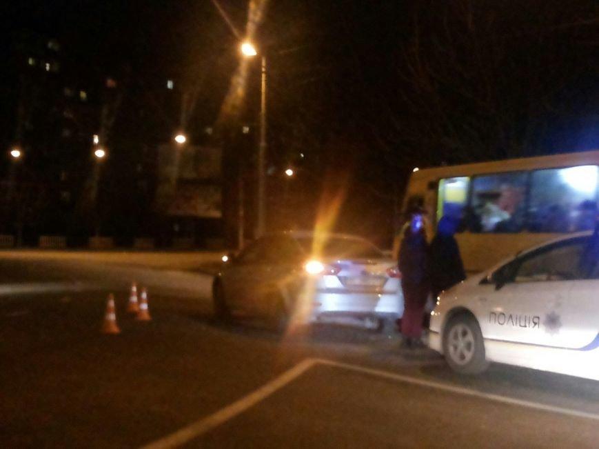 Нетверезий водій у Львові вчинив ДТП і втік з місця пригоди (ФОТО) (фото) - фото 1