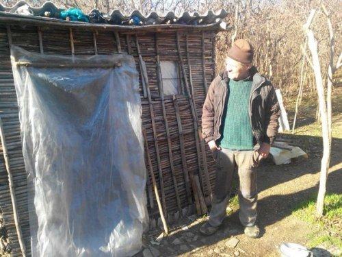 В Одесской области нашли отшельника, который 7 лет живет в шалаше (ФОТО) (фото) - фото 1