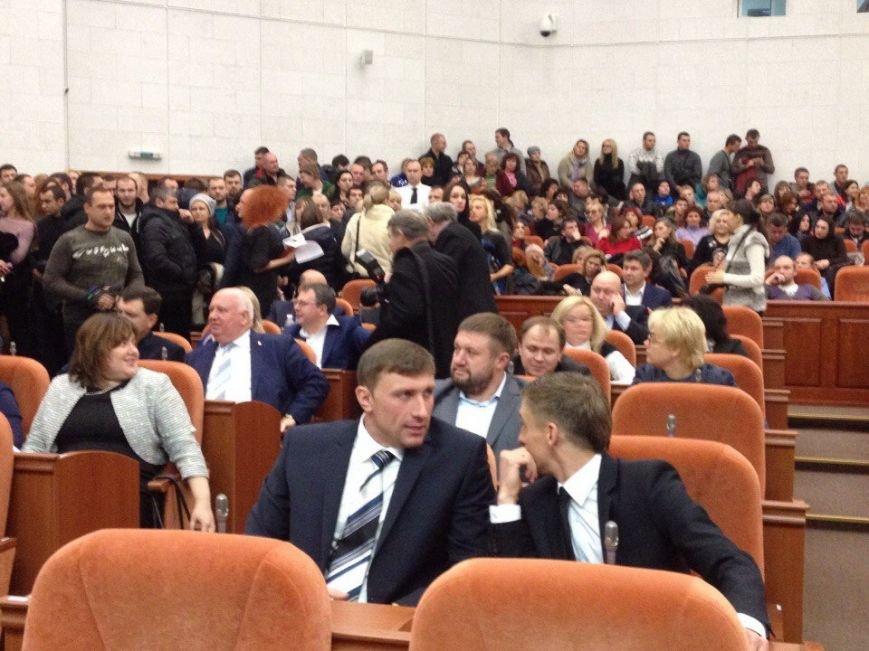 В Днепропетровске сорвали сессию горсовета (ФОТО) (фото) - фото 3