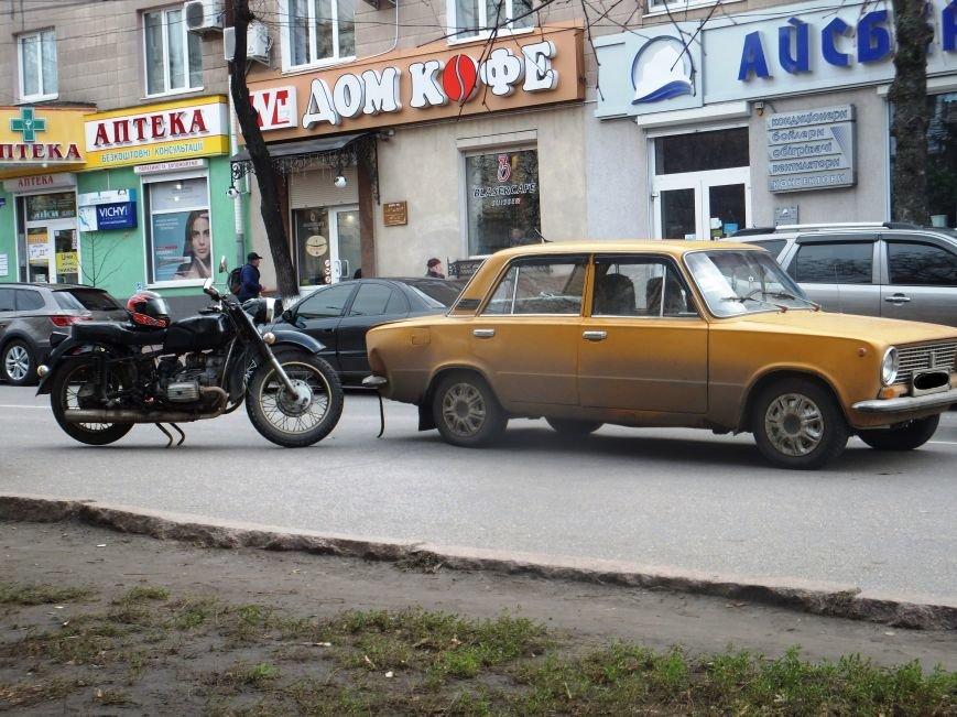 В Кировограде мотоцикл столкнулся с легковушкой. ФОТО (фото) - фото 1