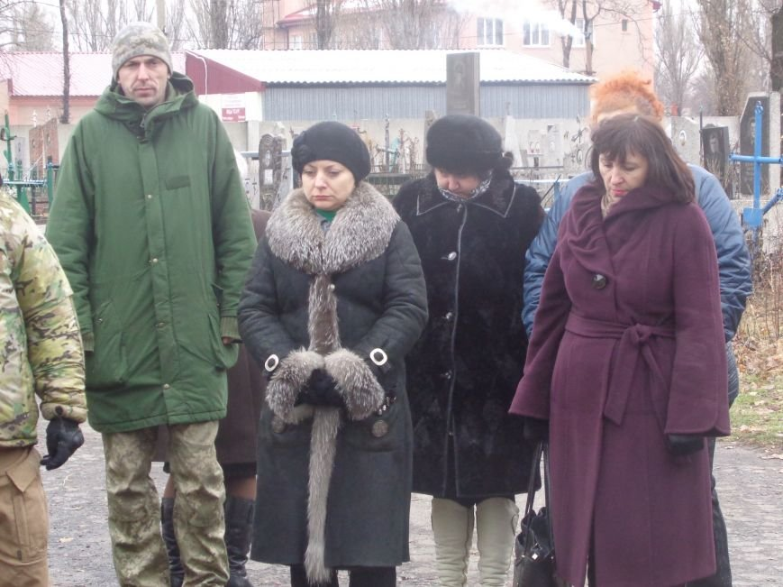 «Пам'ять народу – найдостовірніше джерело»: в Красноармейске прошел митинг-реквием памяти жертв беспощадного Голодомора (фото) - фото 2