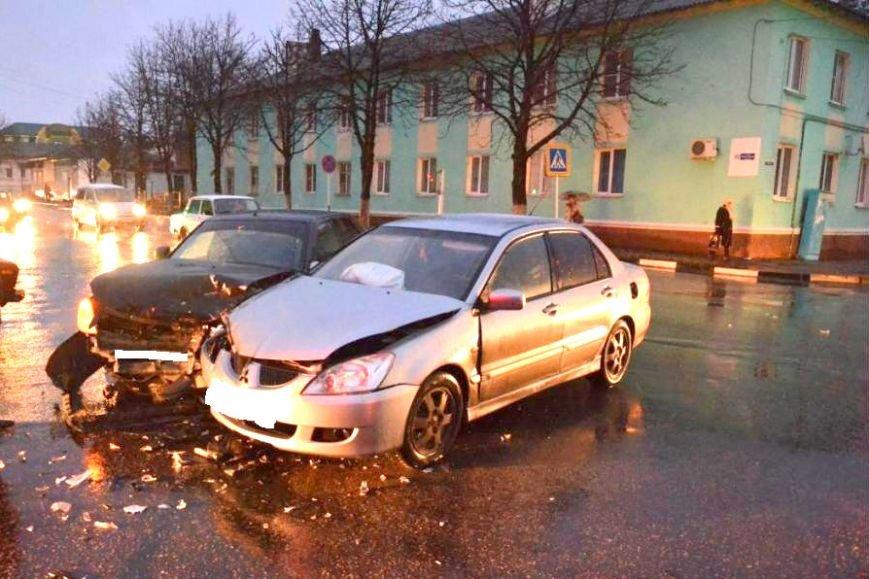 В Белгородском районе женщина на «Рено Меган» выехала на встречку и устроила ДТП, фото-3