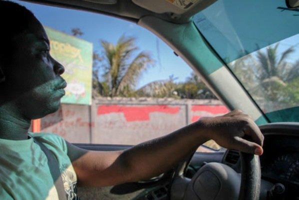 21-haiti_travel_photo_surfing20