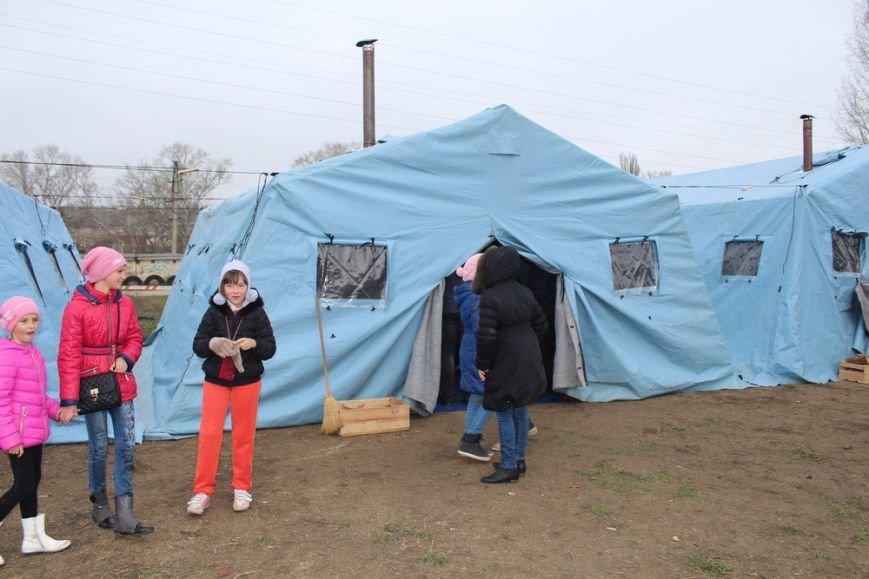 В Симферополе открываются бесплатные пункты зарядки мобилок (ФОТО) (фото) - фото 3