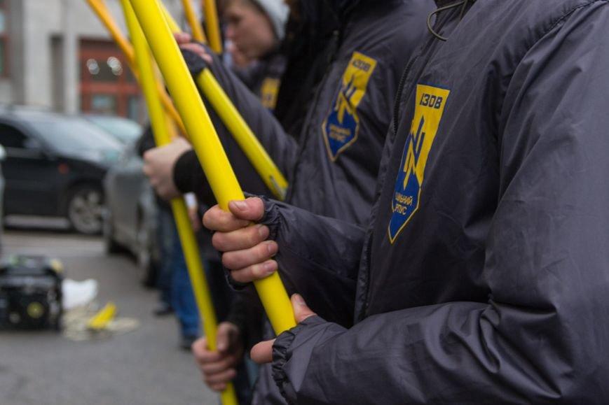 f8483df5ce17199cca5dbdef87a3aa07 Активисты «АЗОВА» нанесли «вежливый» визит Одесскому облсовету