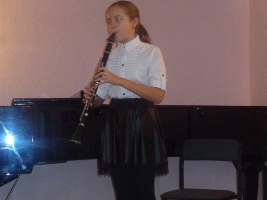 В Красноармейской музыкальной школе имени Н. Д. Леонтовича состоялся душевный и полный скорби концерт-реквием (фото) - фото 2