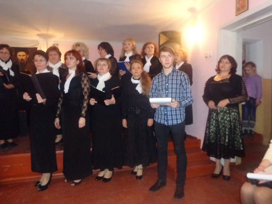 В Красноармейской музыкальной школе имени Н. Д. Леонтовича состоялся душевный и полный скорби концерт-реквием (фото) - фото 3