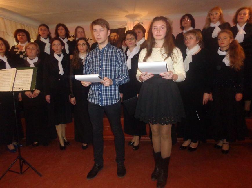 В Красноармейской музыкальной школе имени Н. Д. Леонтовича состоялся душевный и полный скорби концерт-реквием (фото) - фото 4