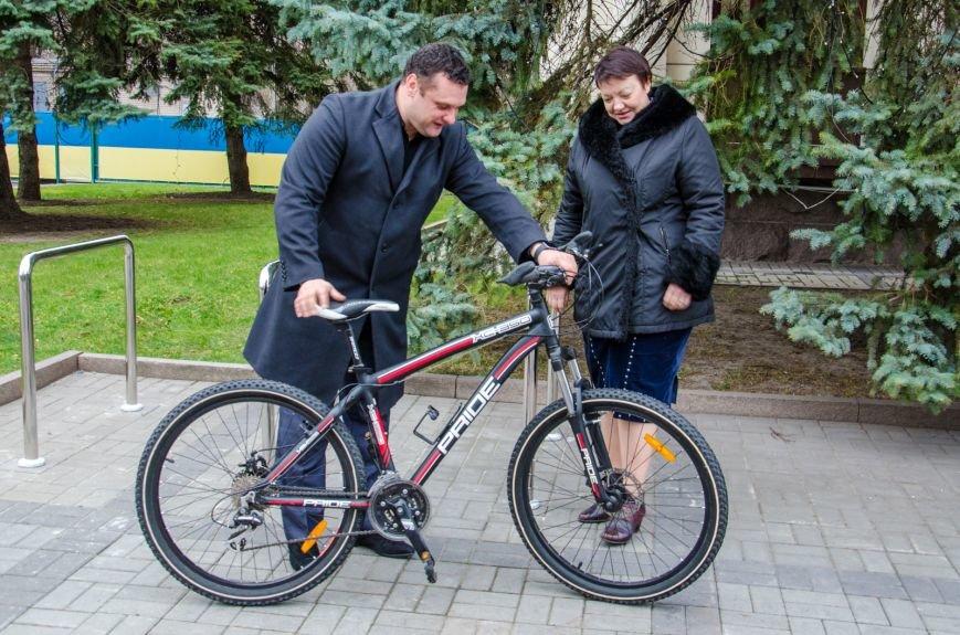 В Днепропетровской ОГА велосипедный бум (фото) - фото 3