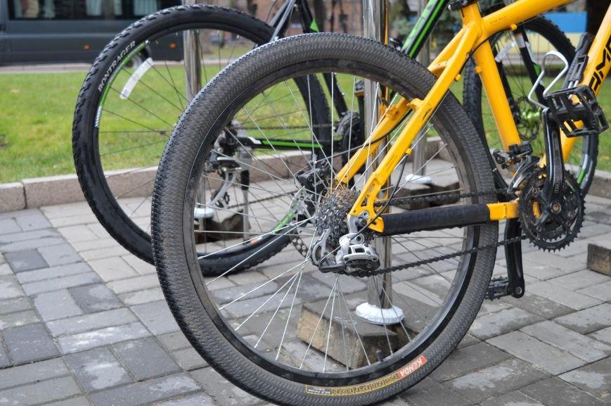 В Днепропетровской ОГА велосипедный бум (фото) - фото 1