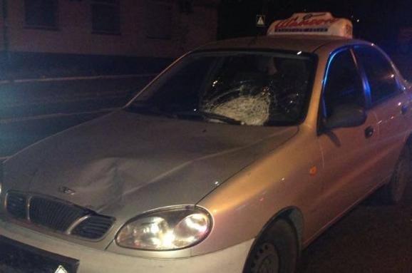 В Киеве ночью автомобиль насмерть сбил пешехода (ФОТО) (фото) - фото 1