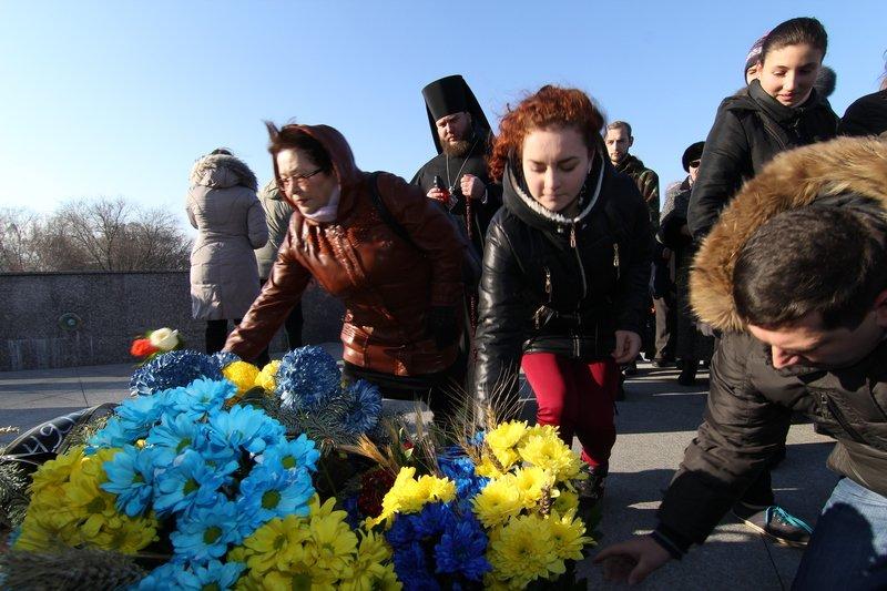 Днепропетровщина почтила память жертв Голодомора (ФОТО) (фото) - фото 10