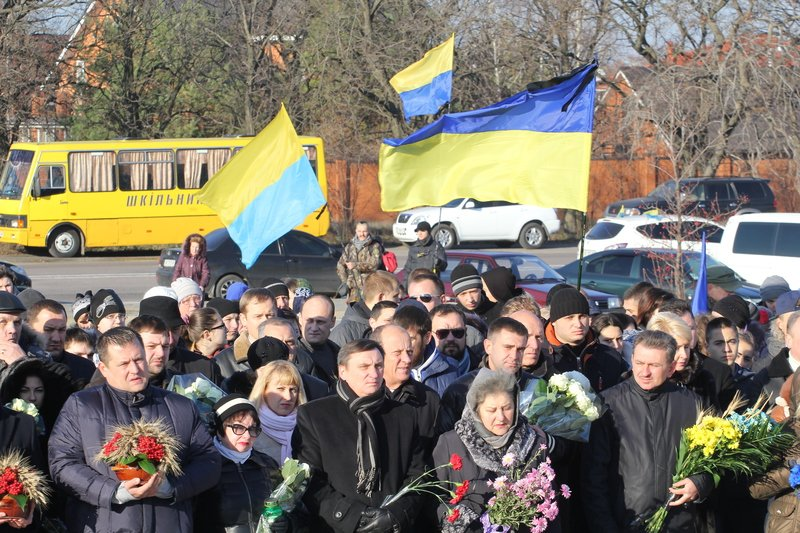 Днепропетровщина почтила память жертв Голодомора (ФОТО) (фото) - фото 6