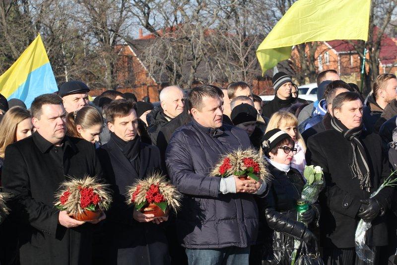Днепропетровщина почтила память жертв Голодомора (ФОТО) (фото) - фото 5
