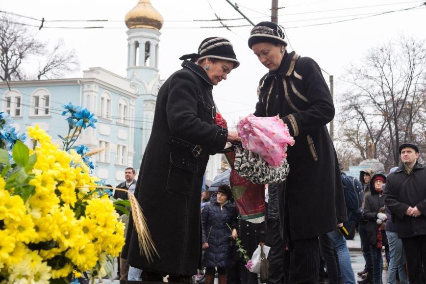 44412a6fae665c136fae5fbd8d6551ab Одесса чтит память жертв Голодоморов