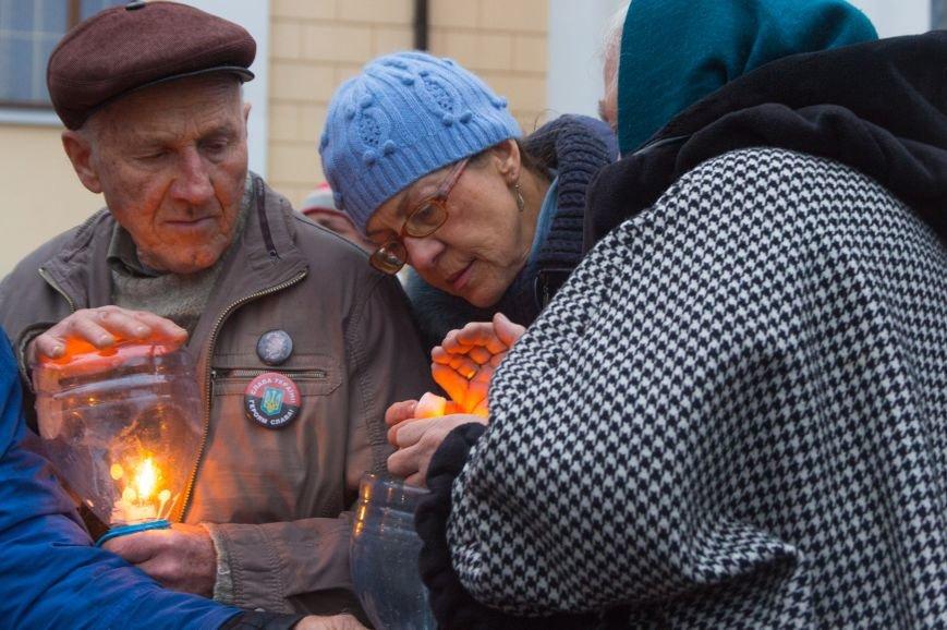 c361d93ccaa501d77ecadd25d3ce38b5 Одесса чтит память жертв Голодоморов