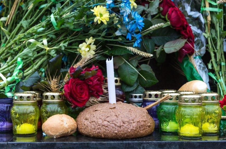 ef21090ec4d829ea4d696fdbfb60f332 Одесса чтит память жертв Голодоморов