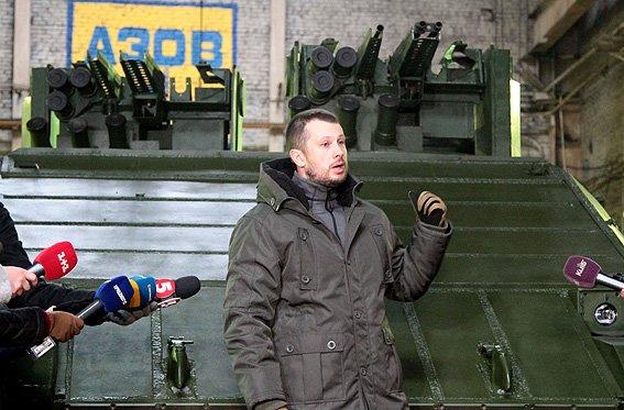 """В Киеве представили новый """"городской"""" танк (ФОТО) (фото) - фото 1"""