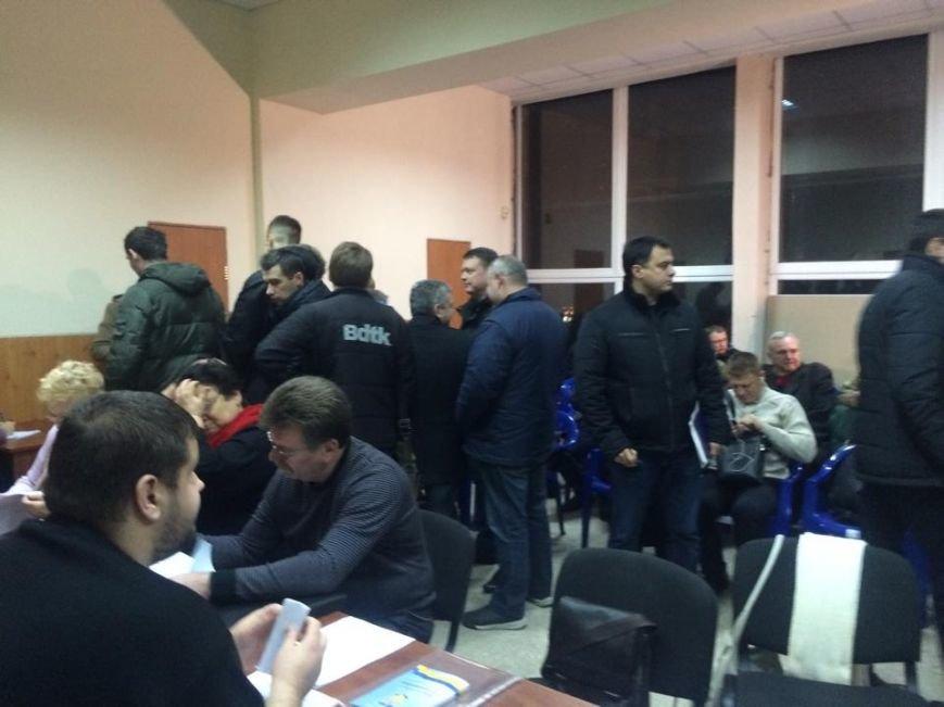 Назревает скандал: член комиссии от БЮТ требует роспуска районных избирательных комиссий (фото) - фото 1