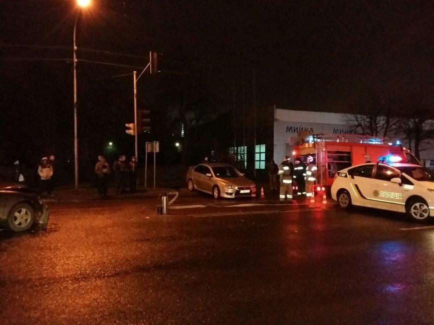 Аварія на вулиці Липинського: опубліковані фото з місця пригоди (фото) - фото 3