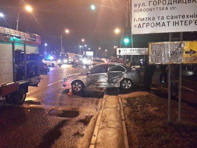 Аварія на вулиці Липинського: опубліковані фото з місця пригоди (фото) - фото 1