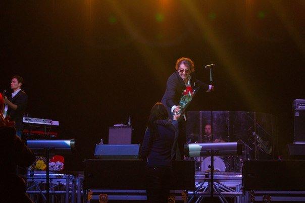 Концерт Григория Лепса в Гродно: море зрителей, предельная громкость и полная самоотдача (Фото, видео) (фото) - фото 4