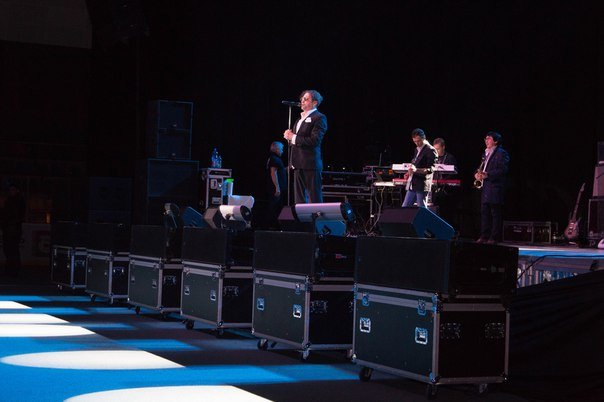 Концерт Григория Лепса в Гродно: море зрителей, предельная громкость и полная самоотдача (Фото, видео) (фото) - фото 8