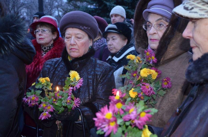 Мариупольцы почтили память жертв голодомора (ФОТОРЕПОРТАЖ+ВИДЕО), фото-12