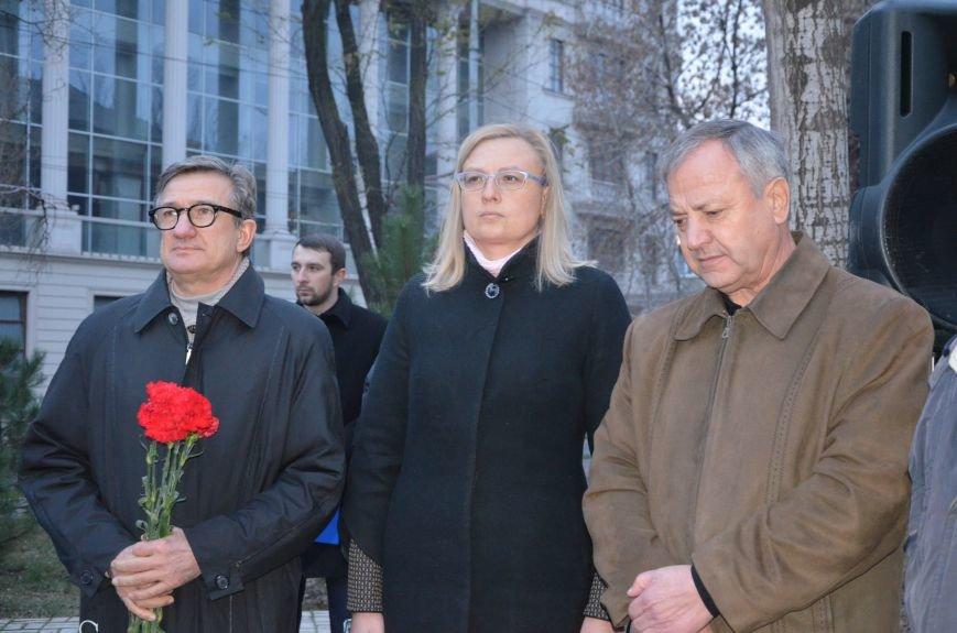 Мариупольцы почтили память жертв голодомора (ФОТОРЕПОРТАЖ+ВИДЕО), фото-15