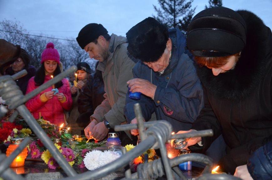 Мариупольцы почтили память жертв голодомора (ФОТОРЕПОРТАЖ+ВИДЕО), фото-21