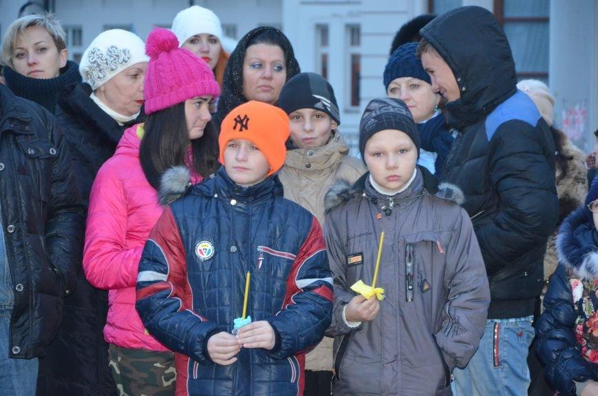 Мариупольцы почтили память жертв голодомора (ФОТОРЕПОРТАЖ+ВИДЕО), фото-8