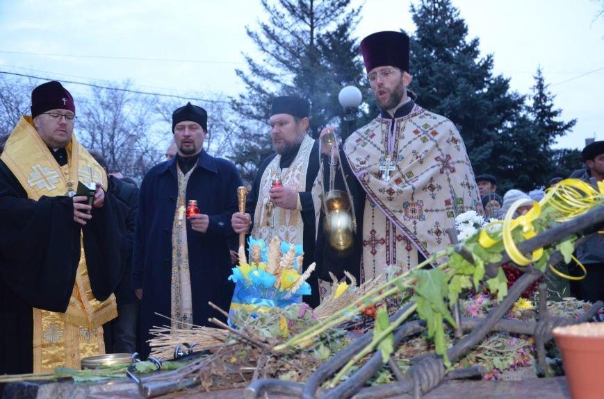 Мариупольцы почтили память жертв голодомора (ФОТОРЕПОРТАЖ+ВИДЕО), фото-17