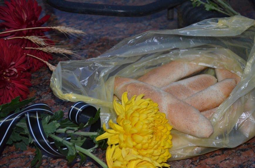 Мариупольцы почтили память жертв голодомора (ФОТОРЕПОРТАЖ+ВИДЕО), фото-22