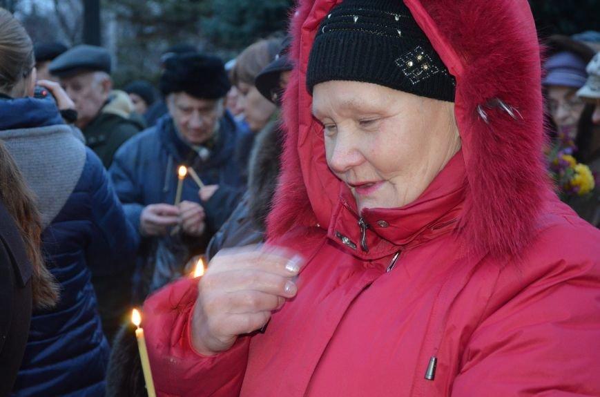 Мариупольцы почтили память жертв голодомора (ФОТОРЕПОРТАЖ+ВИДЕО), фото-11