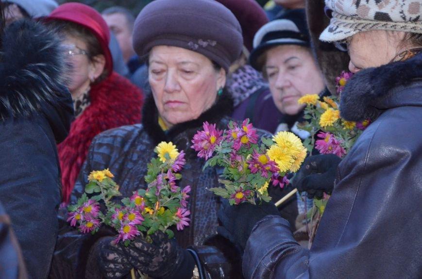 Мариупольцы почтили память жертв голодомора (ФОТОРЕПОРТАЖ+ВИДЕО), фото-10