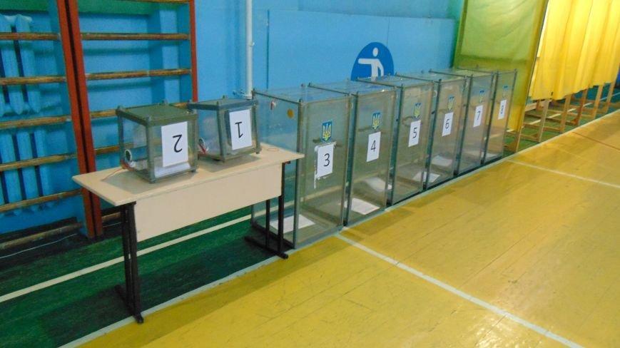 В Мариуполе открывшихся  избирательных участках ажиотажа не наблюдалось (ФОТО) (фото) - фото 1