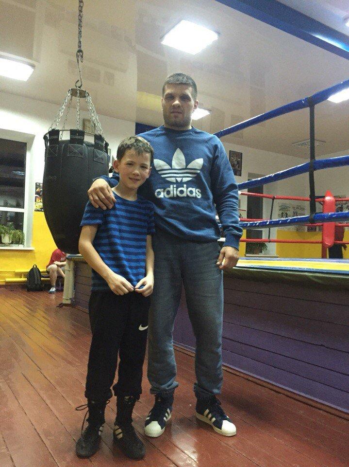 Маленькие николаевские боксеры отрабатывали приемы с Деревянченко (ФОТО) (фото) - фото 1
