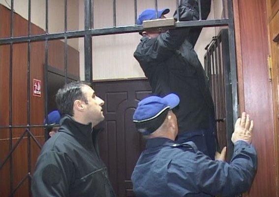 Больше не клетка: в Одесских райотделах демонтируют решетки на проходных (ФОТО) (фото) - фото 1