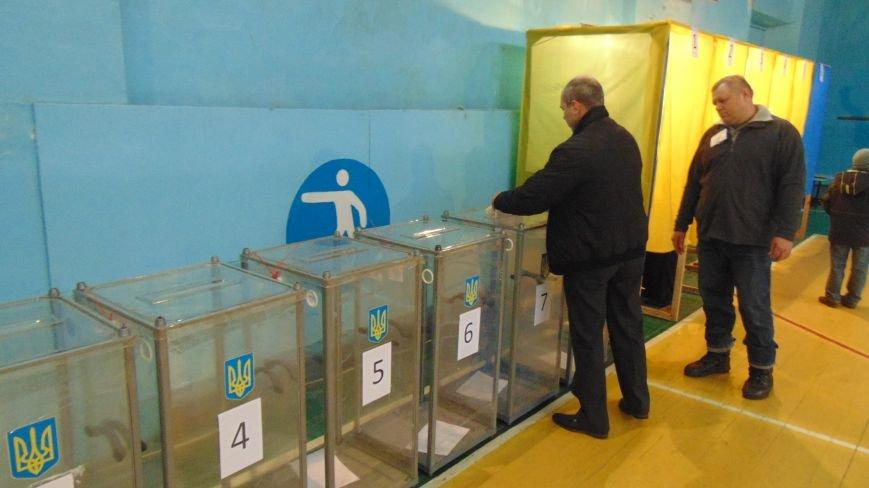 На 12:00 в полицию Мариуполя поступило 14 обращений, связанных с выборами (ФОТО) (фото) - фото 1