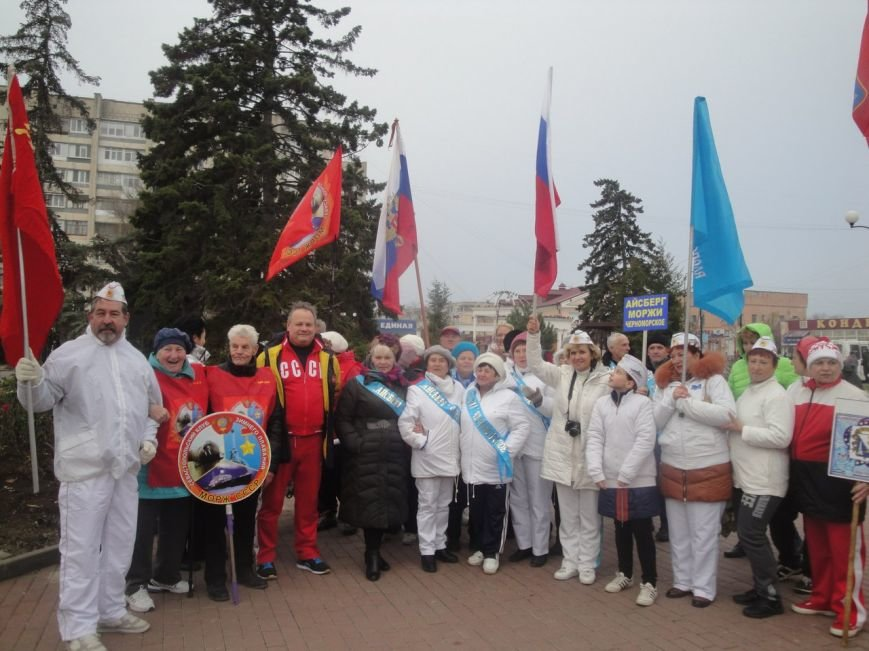 В Крыму открыли сезон зимнего плавания (ФОТО, ВИДЕО) (фото) - фото 1