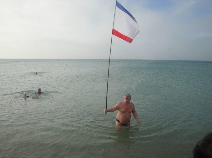 В Крыму открыли сезон зимнего плавания (ФОТО, ВИДЕО) (фото) - фото 7