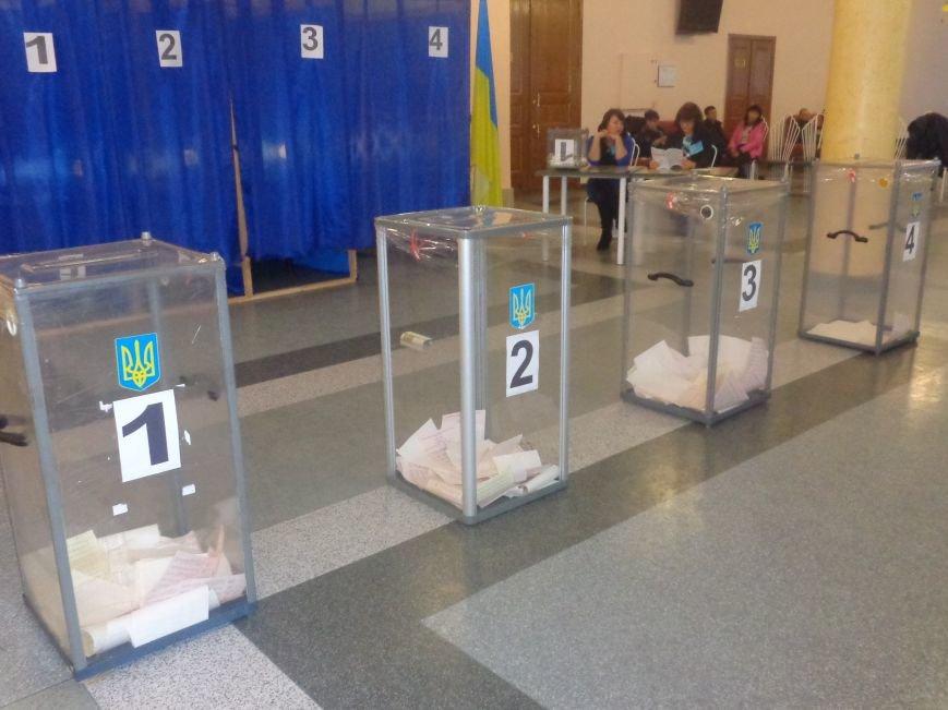 Голосование в Красноармейске: кто сегодня активнее всех? (фото) - фото 1