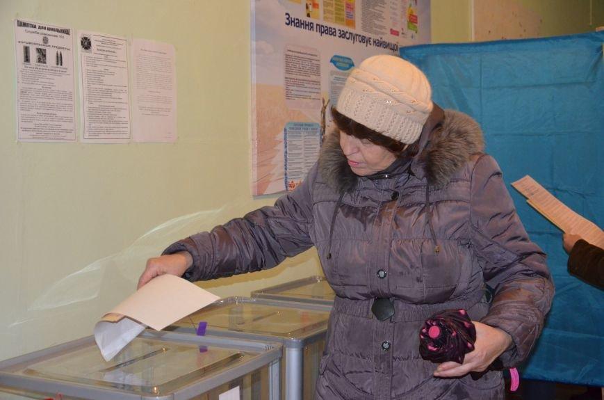 Активность избирателей в Мариуполе увеличилась (ФОТО+ВИДЕО), фото-7