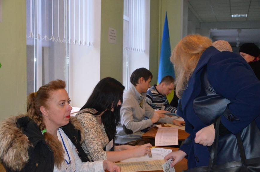 Активность избирателей в Мариуполе увеличилась (ФОТО+ВИДЕО), фото-3