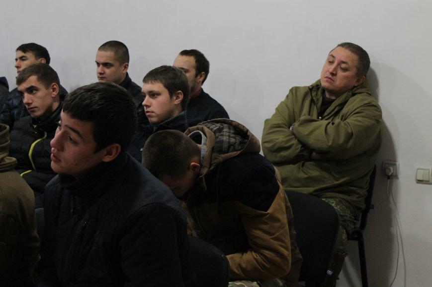Добропольский ГК «Азов» провел первое занятие по навыкам обращения с оружием (ФОТО), фото-4