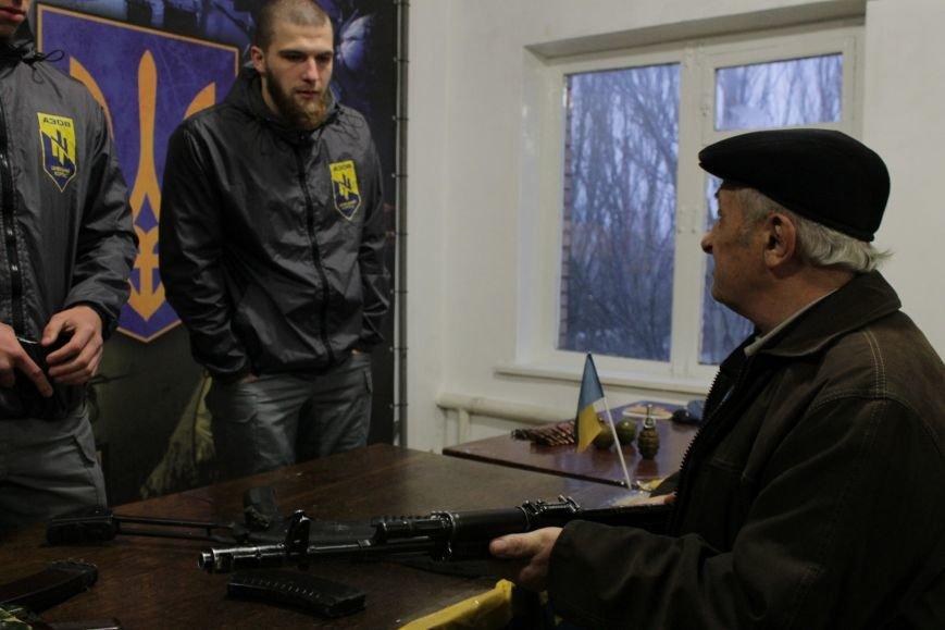 Добропольский ГК «Азов» провел первое занятие по навыкам обращения с оружием (ФОТО), фото-15